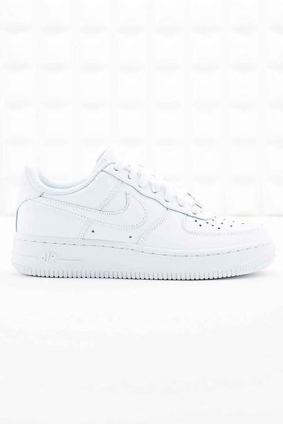 white platform nike sneakers 05e08c