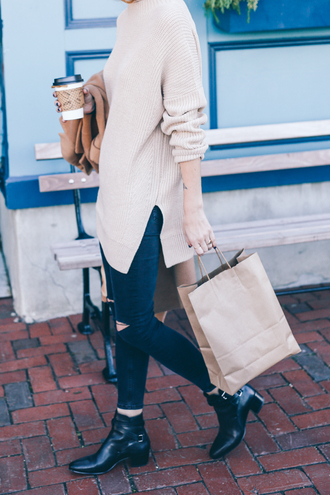 prosecco and plaid blogger ripped skinny jeans oversized sweater off-white ankle boots black boots black ripped jeans beige sweater nude sweater slit sweater coffee ripped jeans blue jeans skinny jeans mid heel boots