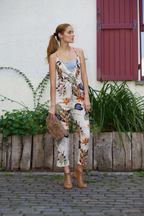 88e29d411de3 from brussels with love blogger jumpsuit shoes bag.