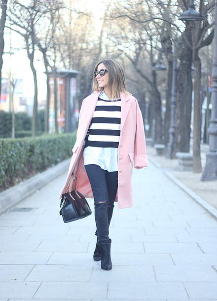besugarandspice blogger coat sweater jeans shoes sunglasses bag jewels