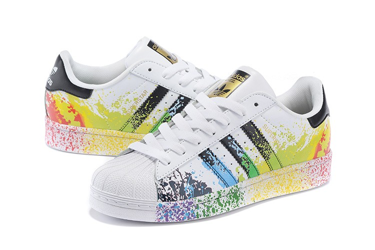 Uomo/Donna Adidas Superstar Pride Pack Scarpe Running Bianche Ftw/Core  Nere/Running Bianche Ftw D70351 adidas superstar colorate