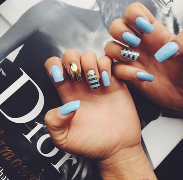 nail polish baby blue light blue nails fashion kylie jenner