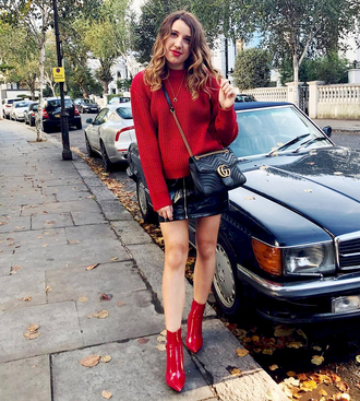 sweater tumblr red sweater knit knitted sweater boots red boots ankle boots skirt mini skirt zip zipped skirt bag black bag
