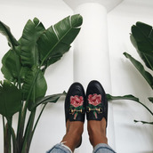 shoes,tumblr,black shorts,gucci,gucci shoes,gucci princetown,embroidered,floral