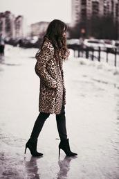 acid coke,blogger,coat,leopard print,shoes,fur leopard print winter coat,fur coat,pants,black pants,boots,winter outfits,winter coat,winter look,high heels boots,black boots,ankle boots,printed fur coat