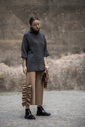 the limits of control,blogger,sweater,shoes,pants,bag,fall outfits,grey sweater,ankle boots,brown bag