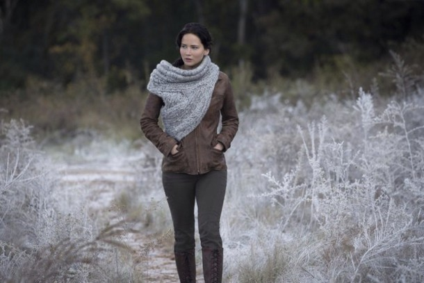sweater jennifer lawrence scarf grey