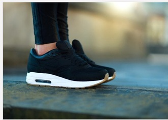 shoes cream nike air airmax1 airmax black sneakers nike sneakers nike shoes