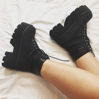 shoes divergence clothing black grunge boots chunky boots grunge black boots 90s style chunky heels chunky sole grunge shoes mid heel boots