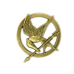 Amazon.com: the hunger games brooch prop replica: toys & games