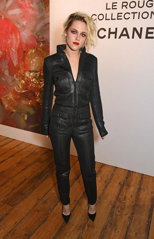 jumpsuit top pants edgy grunge all black everything black kristen stewart shoes All black  outfit
