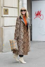 coat,animal print,white boots,oversized,clutch,sunglasses