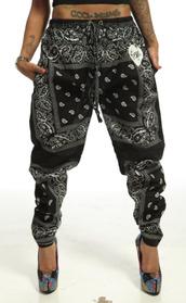 pants,trill,joggers,bandana,black,white,tattoo,swag,cupcake mafia,dope,harem pants,bandana pants,bandana print,bandana print joggers,leggings,baggy,knickers,funny,sexy swag,black and white bandana pants,joggers pants,jeans