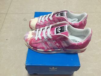 shoes adidas camouflage pink sneakers adidas superstars