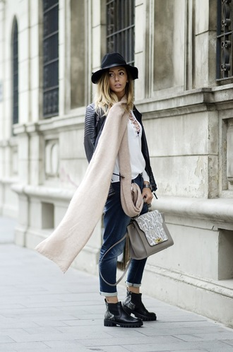 let's talk about fashion ! blogger jacket blouse jeans shoes jewels bag white