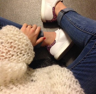 shoes sneakers sweater jeans denim white sneaker white shoes white sweater oversized sweater oversized winter sweater glitter shoes glitter pink glitter winter outfits winter outerwear cute style