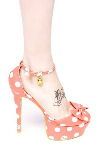 peach peach heels pink pink heels romantic cute kawaii girly pretty strappy sandals strappy heels bow shoes bow heels platform high heels polka dots polka dots shoes gold high heels retro retro shoes vintage pin up found amazon iron fist