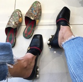 shoes,tumblr,gucci,gucci shoes,mules,slide shoes,slippers,printed slippers,gucci princetown,mid heel pumps