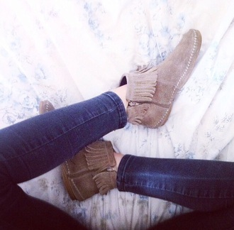 shoes boots franges fringes pocahontas pocahonas winter boots winter outfits brown leather boots brown shoes jeans
