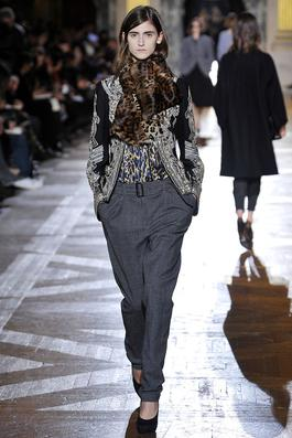 Dries Van Noten Fall 2010 Ready-to-Wear Fashion Show: Complete Collection - Style.com