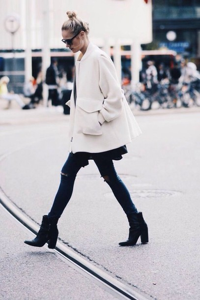 shoes black leather boots ankle boots coat white coat jacket winter jacket white winter outfits winter coat long coat oversized coat black jeans black boots ankle boots streetstyle jeans le fashion blogger cardigan black and white leather boots
