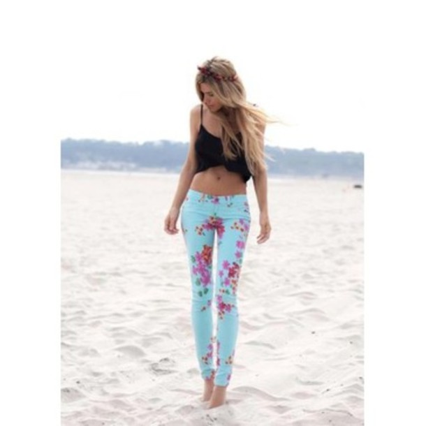 pants floral light blue jeans floral jeans skinny flowers beach beachstyle crop beach chill casual black blue pink california skinny pants crop tops tank top fashion floral blouse beach pants cute tumblr outfit tumblr outfit floral pants blue jeans
