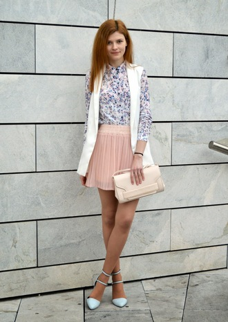 shoes white and blue shirt white vest pink pleated skirt light blue stilettos blogger