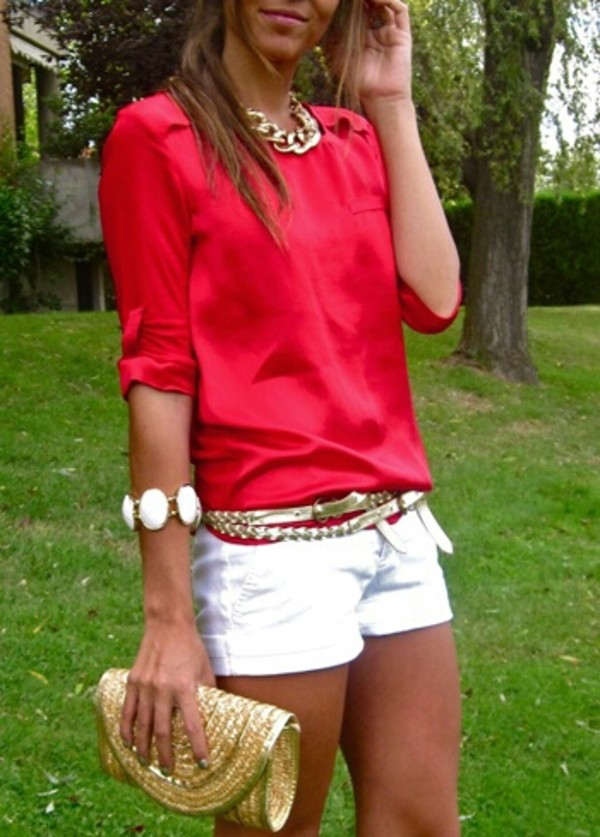 blouse red summer summer outfits jewels gold chain gold necklace belt shorts white shorts white