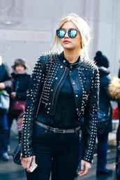 jacket,sunglasses,black leather jacket,mirrored sunglasses,cat eye,spiked leather jacket,blue sunglasses,gigi hadid,glasses,sunnies,model,model off-duty