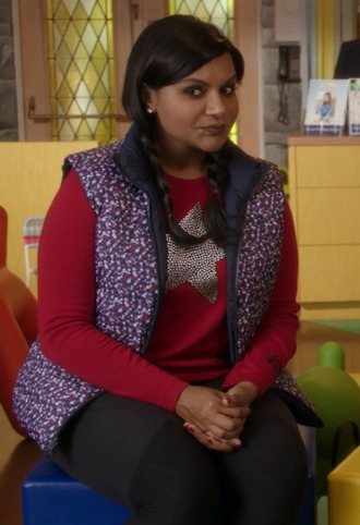 sweater stars red the mindy project mindy lahiri mindy kaling