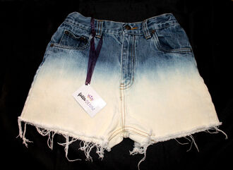 shorts hipster sexy clothes celebrity guess heels vintage pin up tumblr high waisted high waisted shorts ombre ombre bleach dye bleach dye bleached ripped frayed shorts frayed distressed shorts distressed ombre ombre shorts ombre high waisted shorts dip dyed dip dye shorts sweater cute hot super short custom customized fashion summer summer dress hip grunge soft grunge fashionista