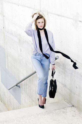 katiquette blogger jeans bag shoes shirt scarf jewels