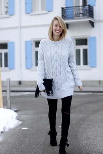 ohh couture blogger cable knit oversized sweater fringe shoes ripped jeans black jeans winter sweater light blue fringed bag