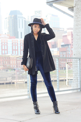 fashion of a novice blogger jumpsuit hat navy velvet pouch black boots