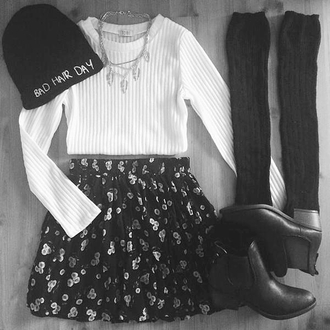 sweater clothes blogger brands skirt celebrities low boots socks shoes