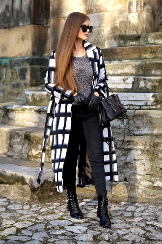 only my fashion style blogger sweater coat bag gloves shoes fall outfits leather gloves handbag ankle boots black pants grey sweater winter outfits