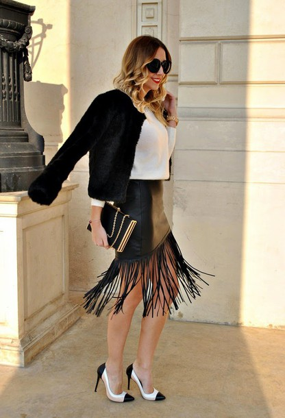 let's talk about fashion ! blogger skirt leather skirt fringes stilettos