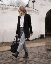 jacket,black blazer,black bag,boyfriend jeans,black belt,white t-shirt,gold necklace