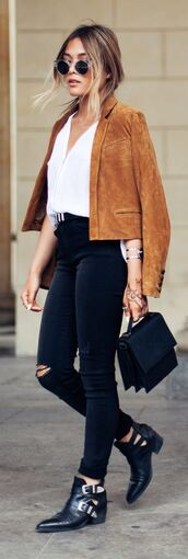 jacket,suede,brown,streetstyle,blogger,black,ripped,ripped jeans,classy,casual,chic,outfit,look,idea,buckle boots