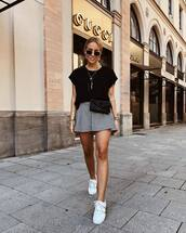 skirt,mini skirt,checkered,white sneakers,black t-shirt,sunglasses,chain necklace,belt bag