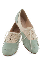 shoes,vintage,vintage shoes for her,vintage shoes,pastel,oxfords,brogue shoes