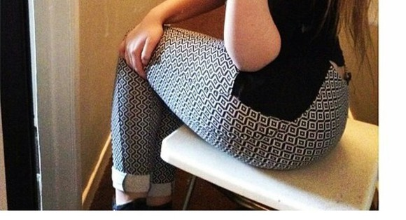 pants leggings style monochrome print