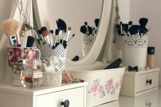 غرف نوم طريقة ترتيب وتنظيف تسريحة والمكياج لك سيدتي