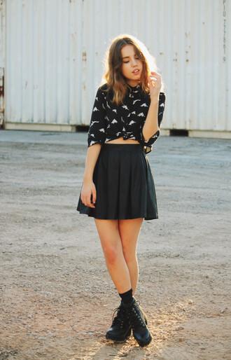 views of now blogger black skirt blouse