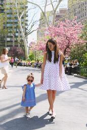 something navy,blogger,dress,shoes,sunglasses,mother and child,polka dots,spring outfits