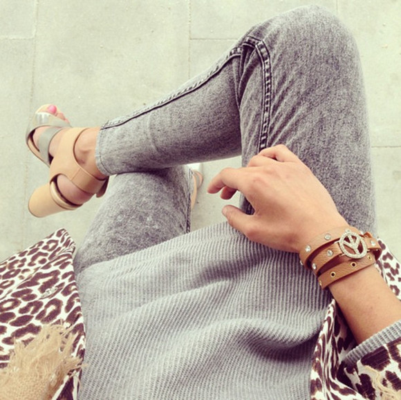 cute sweater oversize bracelets oversized sweater shoes grey panther peace outfit jeans skinny