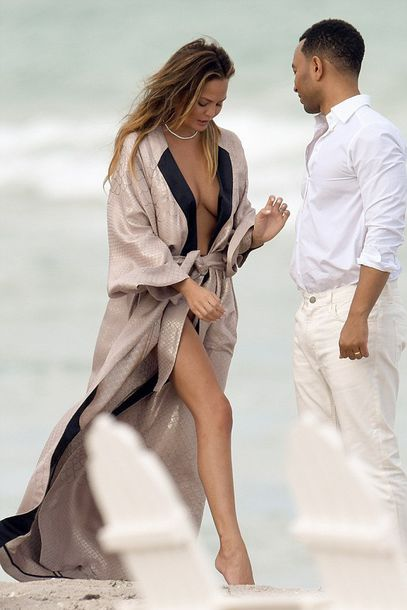 dress robe wrap dress chrissy teigen summer dress summer outfits