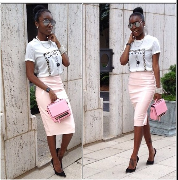 chic skirt pink skirt pink pleather skirt pencil skirt black pumps chanel chanel t-shirt pink purse so cute