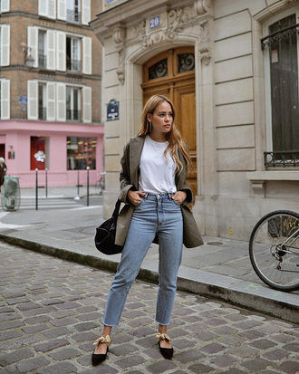 jacket tumblr blazer denim jeans light blue jeans shoes flats black flats t-shirt white t-shirt bag