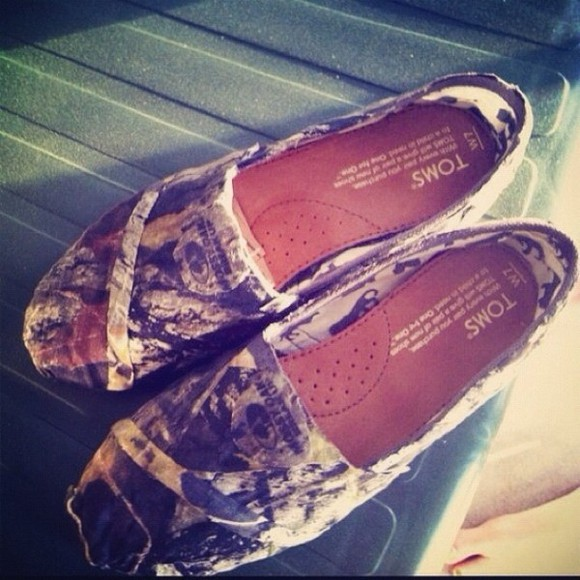shoes toms camo